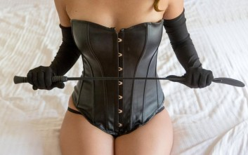 dominatrix23 353x221 - Femdom Sexting And Domination